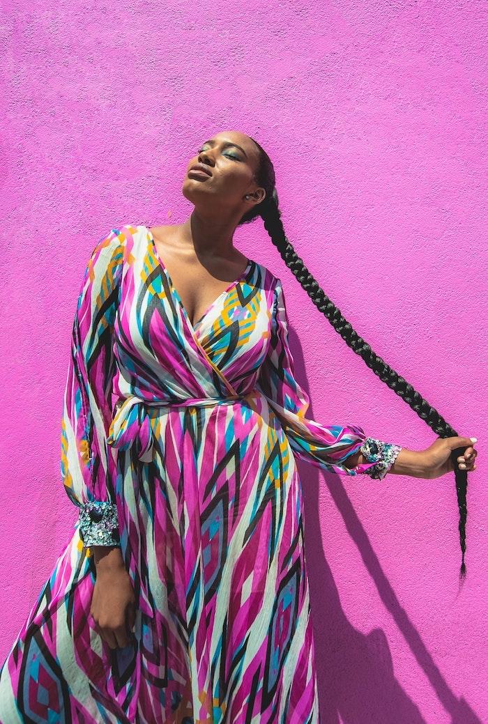 Tresse enormement longue idée de coupe de cheveux afro beauté féminine cheveux longs en tresse