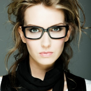 Comment choisir ses lunettes selon les types de visages et les tendances