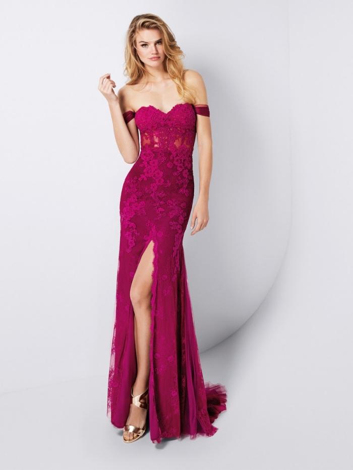 modèle de robe de cocktail pour mariage chic de couleur rose fuchsia avec manches tombantes et dentelle florale