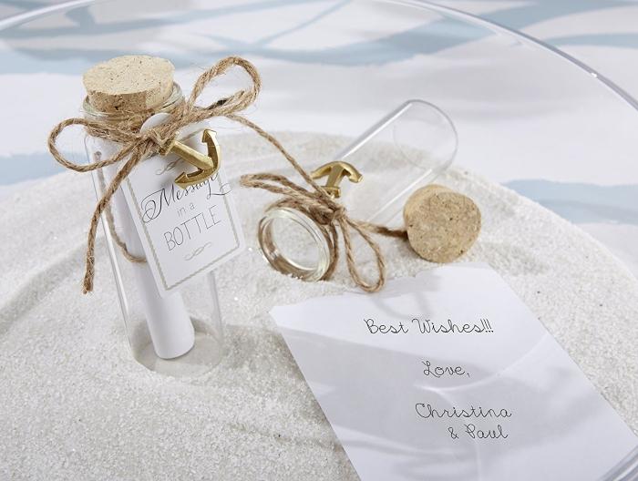 comment faire un cadeau DIY facile pour les invités, modèle de bouteille avec message décoré de petit encre et fil