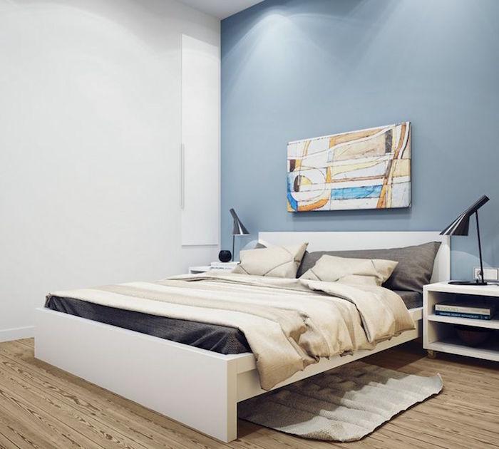 chambre minimaliste pour adultes, décoration moderne pour chambre parentale, comment peindre une chambre en bleu clair et blanc