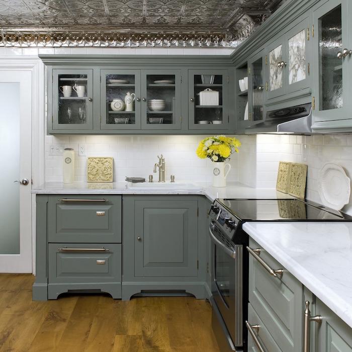 1001 id es cuisine grise et bois ar mes tendance et naturels. Black Bedroom Furniture Sets. Home Design Ideas