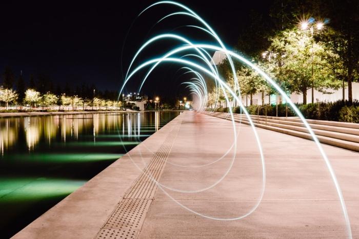 iles paradisiaques, beau paysage, eaux au bord d'un fleuve, paysage de reve, illumination avec des effets attrayants en forme de spirales