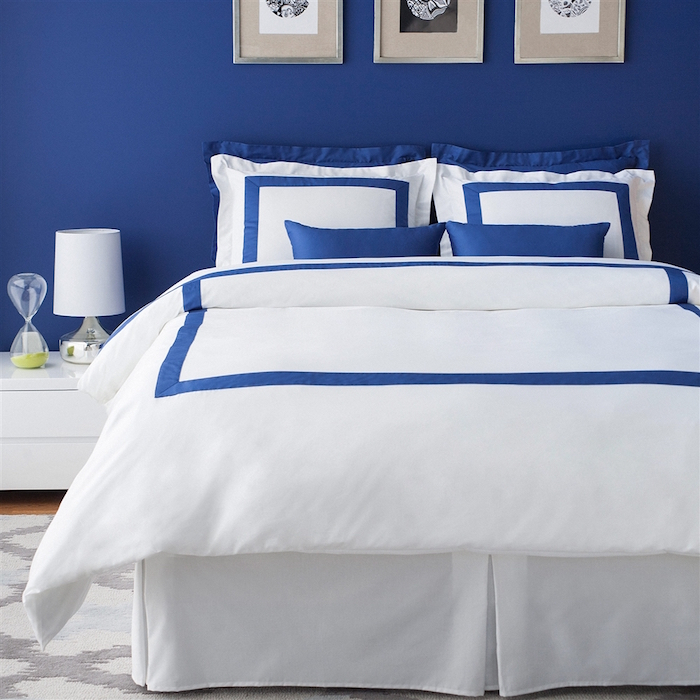 idée de deco chambre parentale bleu et blanc, quelle couleur pour une chambre adulte