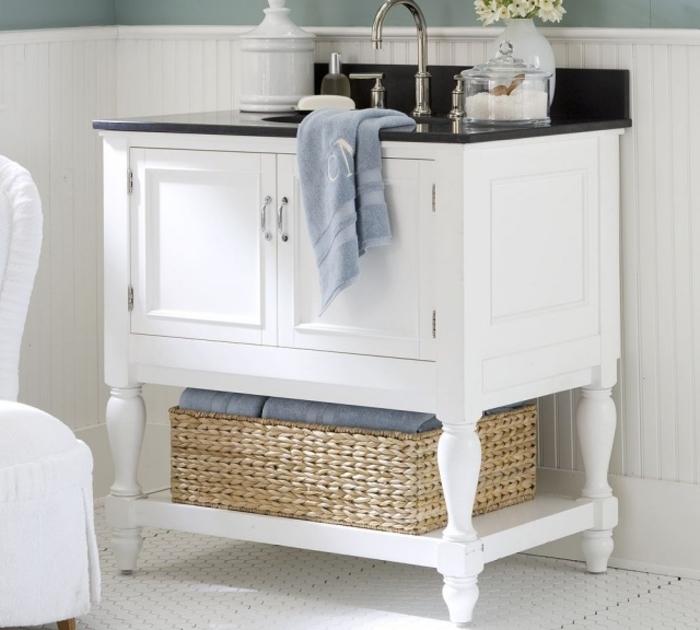 petit meuble salle de bain récup avec espace de rangement supplémentaire pour un confort maximal, commode relookée avec de la peinture et transformée en meuble vasque vintage