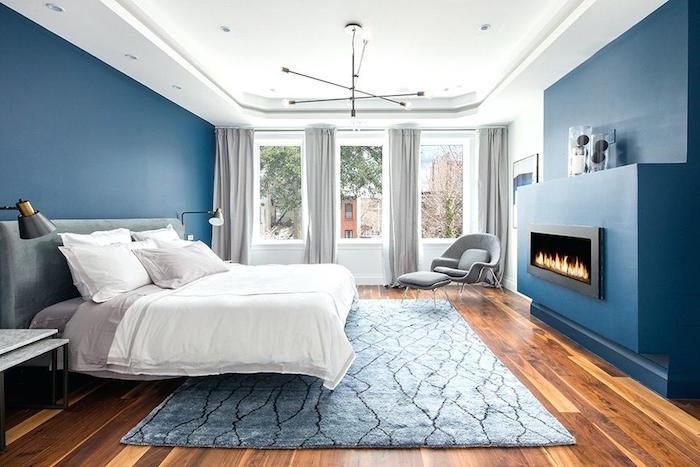 peinture murale pour chambre bleu canard, quelle couleur pour une chambre à coucher parentale ave cheminée