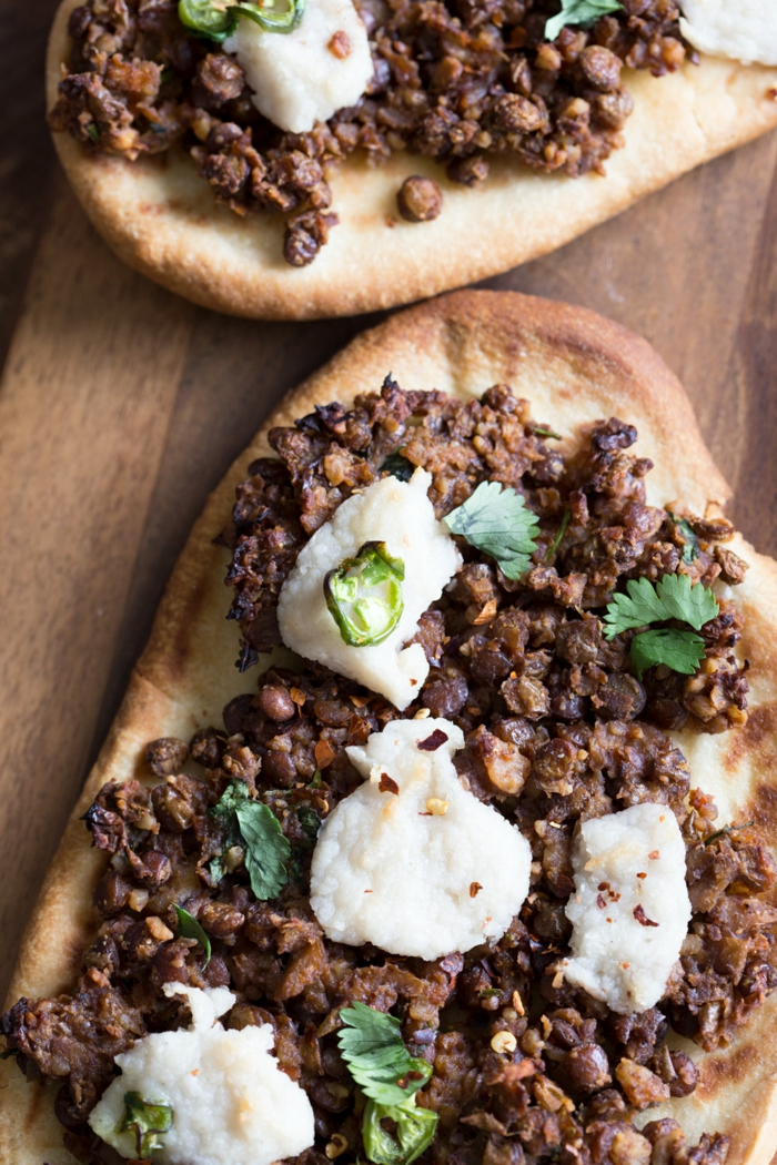 bruschette menu de la semaine avec des épices douces, menu cool, repas simple et bon, bouchées appétissantes grillées