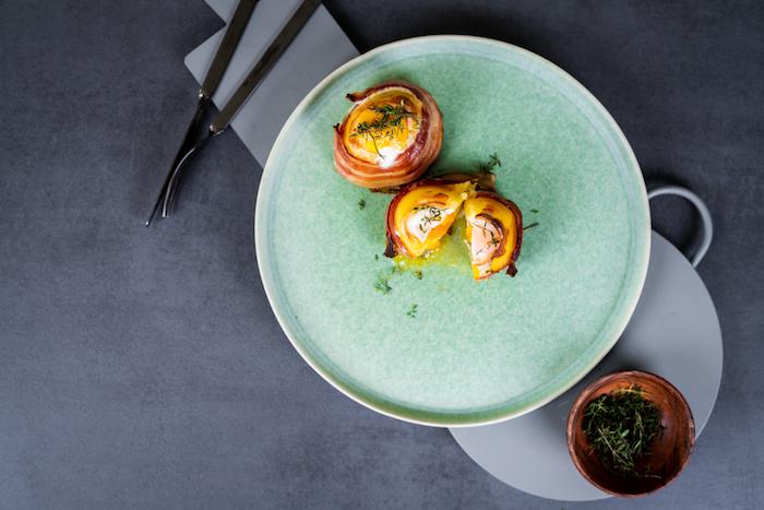 idée pour votre repas équilibré du soir, recette de patate farcie de fromage cheddar et oeuf