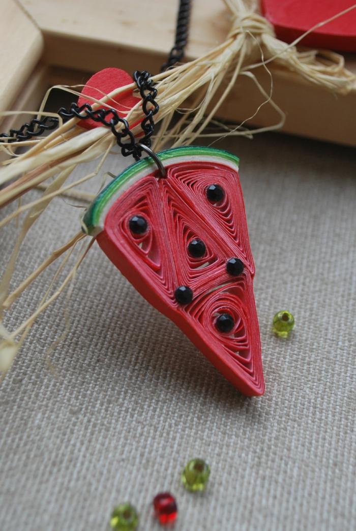 résin de melon d'eau fait en papier, déco créative fait main avec du papier