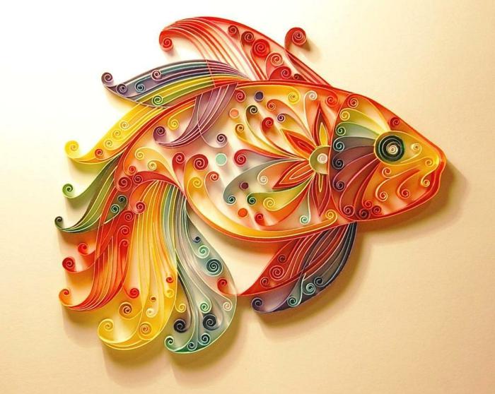 créer des figures artistiques avec du papier, poisson bariolé design riche en formes et en couleurs