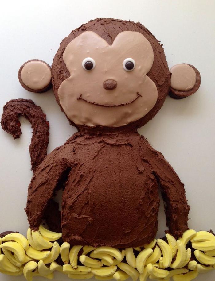 idée pour un gateau d'anniversaire singe au glaçage chocolat à décoration simple sans pâte à sucre
