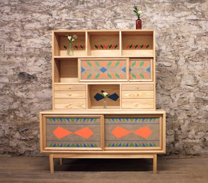 buffet coloré avec motifs géométriques ou comment customiser un meuble