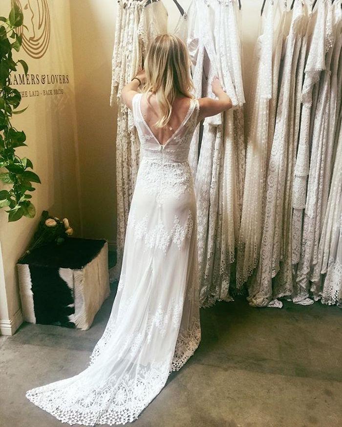 acheter robe de mariée longue moulante avec dos nu en soie et dentelle