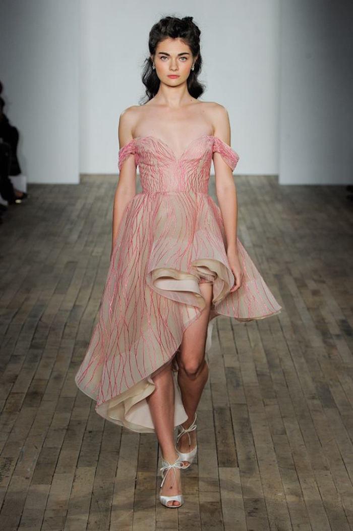 hayley paige créateur robe de mariée originale rose, robe de mariage haute couture