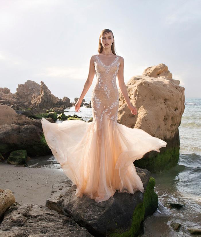 robe de soirée sirène moulante, robe mariage beige transparente originale