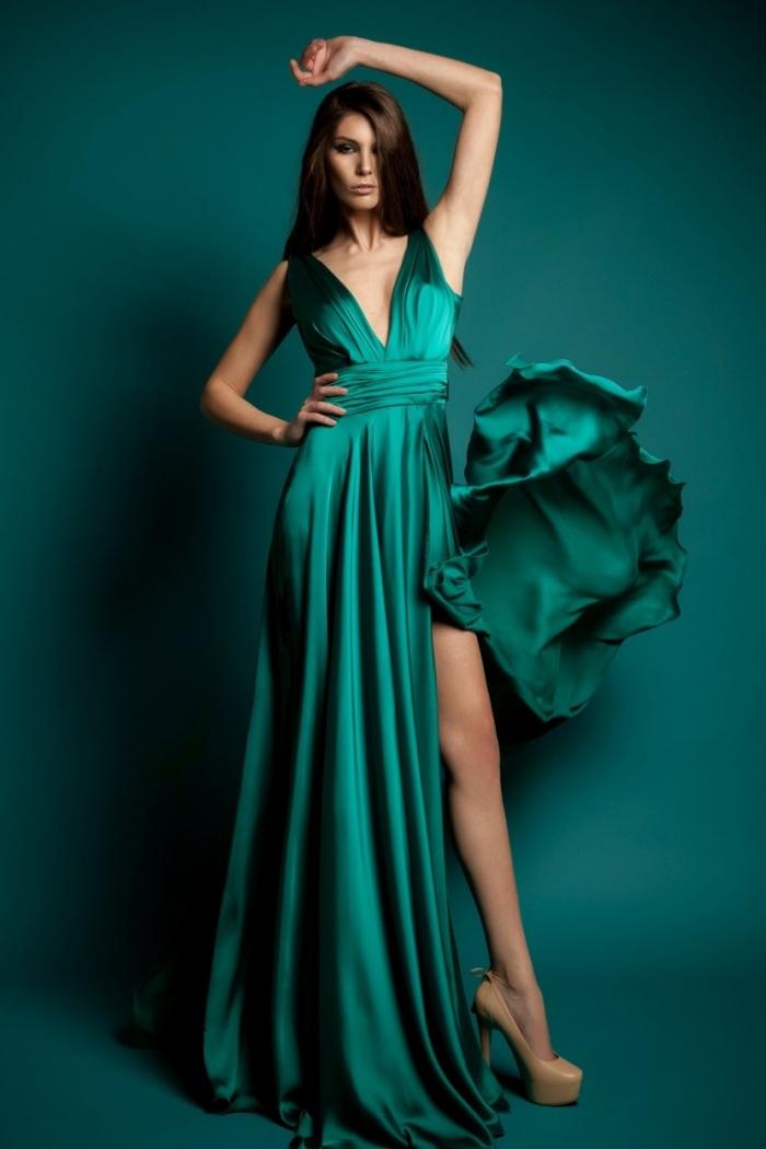 design fantastique de robe de soirée chic et glamour de couleur verte avec décolleté en v et ceinture en soie