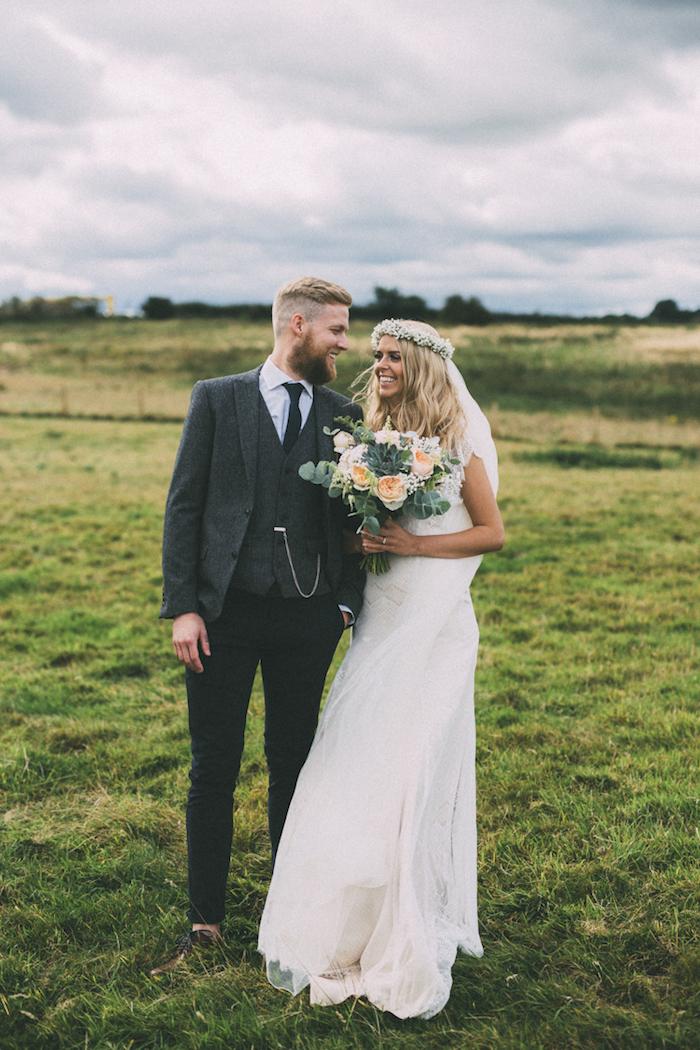 Unique robe mariée bohème chic longue robe mariee boheme vintage femme mariage bouquet de mariée homme bien habillée