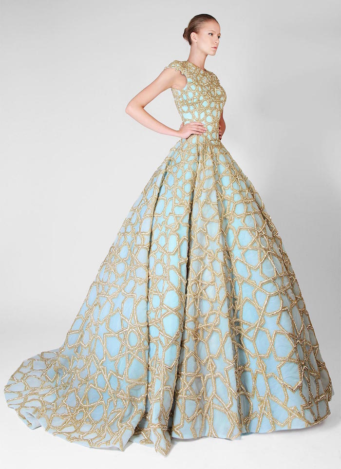 robe mariée originale haute couture bleu et or, tenue de mariage de createur