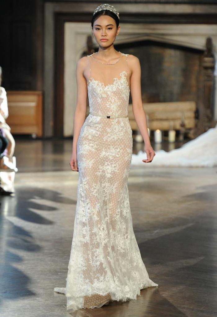 robe sirène, robe longue en dentelle, couronne de tête, immage boho pour un mariage bucolique