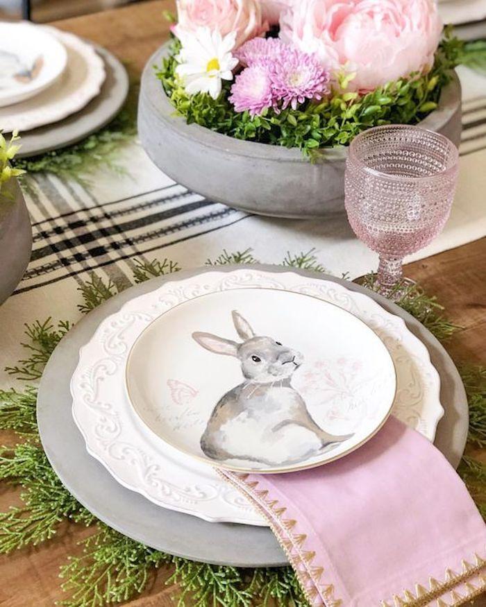 Activités manuelles paques decoration table paques facile serviette déco rose