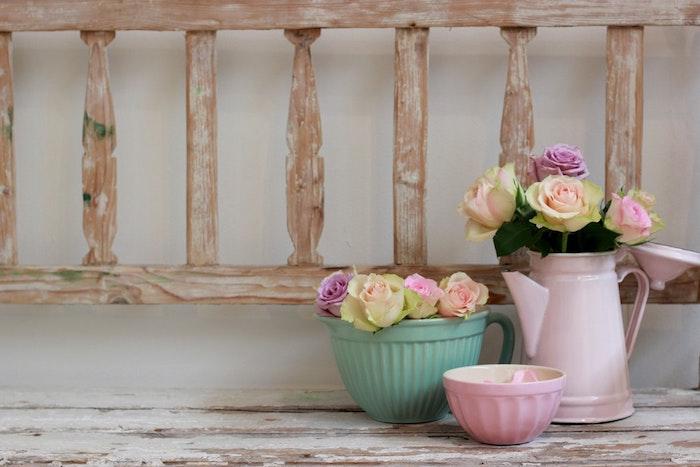 Bricolage paques facile decoration paques facile vases avec fleurs de printemps