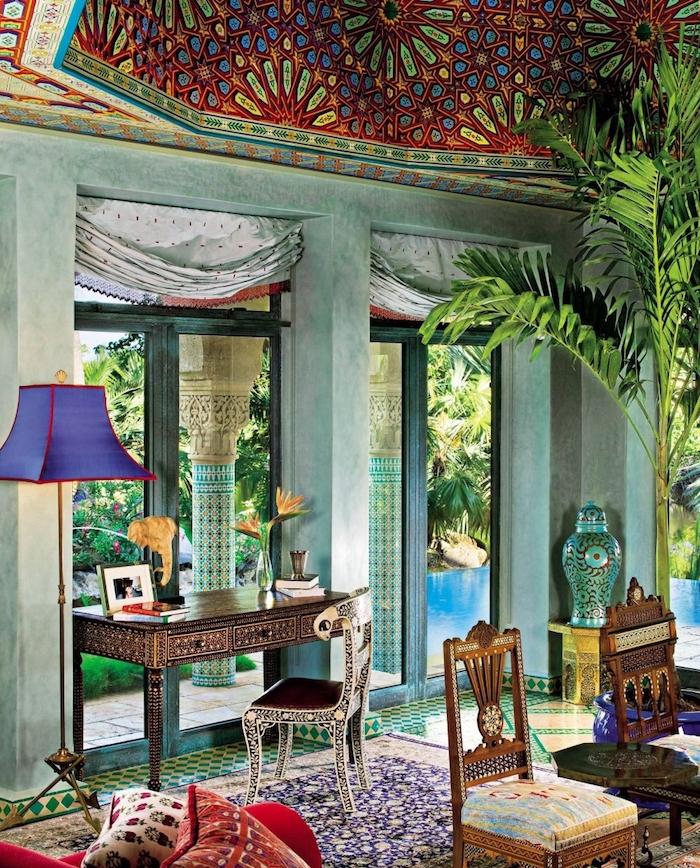 salon orientale avec deco arabe perse et africaine, mobilier style oriental en bois