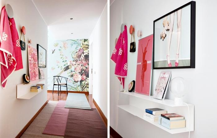 comment décorer le couloir en style féminin avec objets de nuances rose, modèle de papier peint sur pan mur à design tropical
