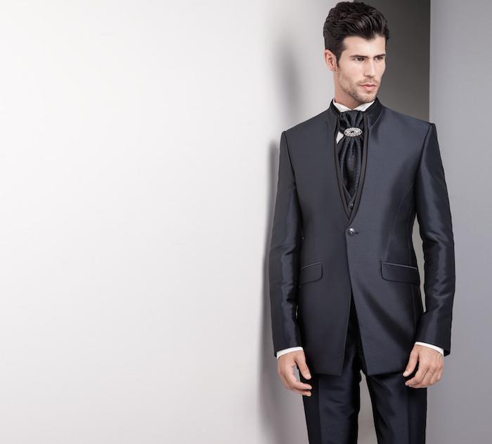 smoking mariage noir satiné homme créateur avec cravate large