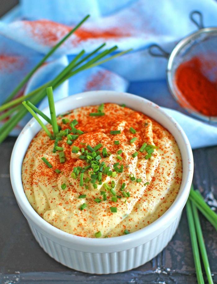 repas minceur, soufflé pour un repas dietetique, persil haché, repas végan et végétarien, poivre rouge en poudre, menu de la semaine