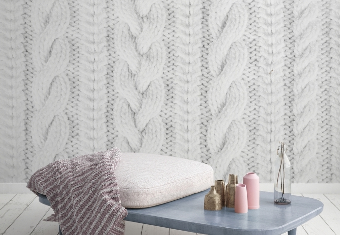 ambiance cozy dans un salon ou chambre à coucher avec un papier peint pas cher à imitation crochet blanc