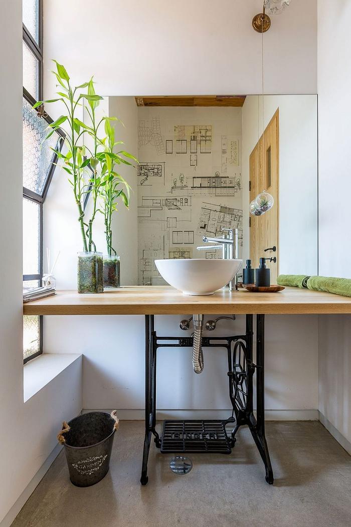 une decoration de salle de bain qui respire l'ambiance zen et nature, idée pour un meuble vasque récup réalisé à partir d'une table de machine à coudre
