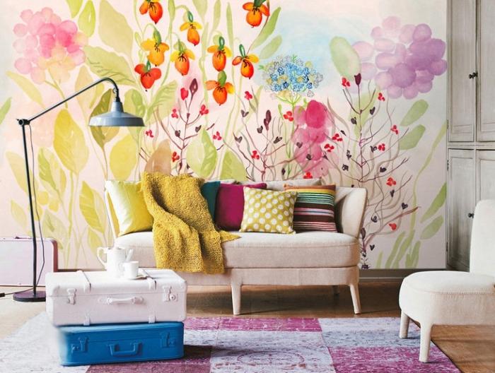 aménagement de salon moderne aux couleurs vibrantes avec modèle de papier peint fleuri coloré et coussins décoratifs