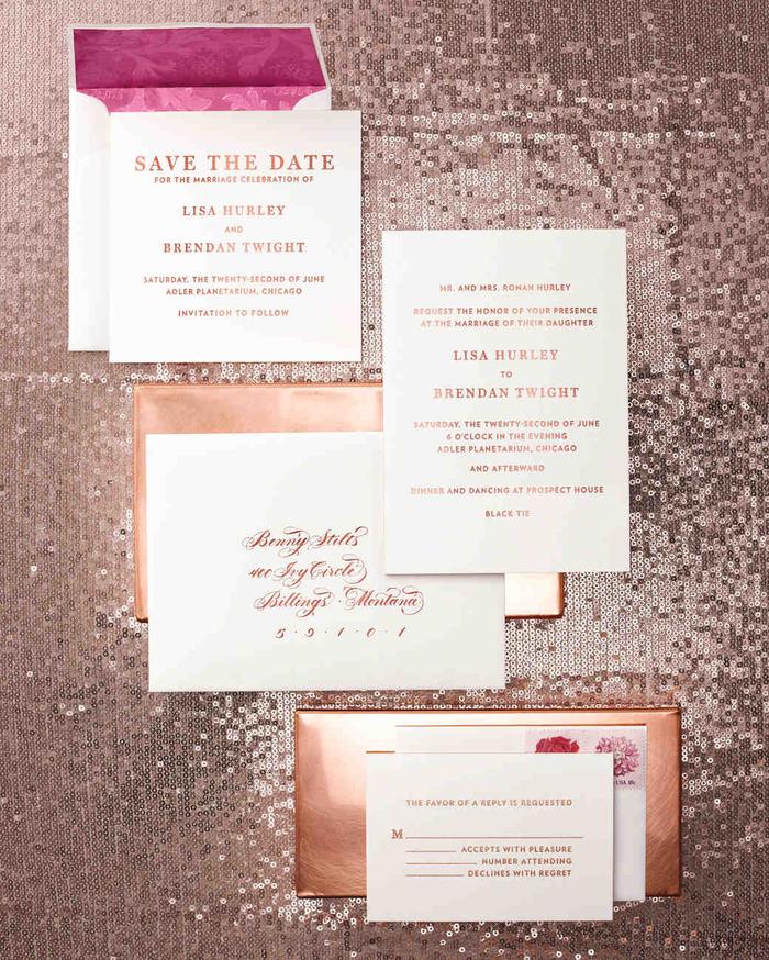 modèle de carte invitation mariage au design simple et épuré avec une typographie en rose cuivré