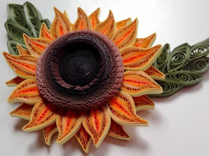 tournesol réalistique, design magnifique de grande fleur en papier de quilling