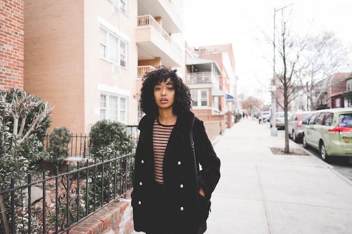 Meche femme coiffure afro femme coupe de cheveux afro