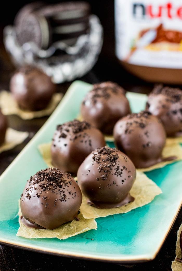 idée dessert facile et original à base de pâte à tartiner nutella, recette de truffes au nutella et biscuits oreos