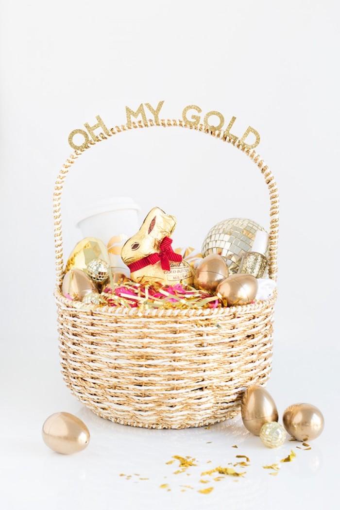 Activité paques bricolage paques déco facile et jolie basket avec chocolat figures de paques