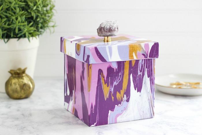 Activite enfant activité manuelle facile et rapide créer un simple déco idée boite coloré avec pierre précieux pour top