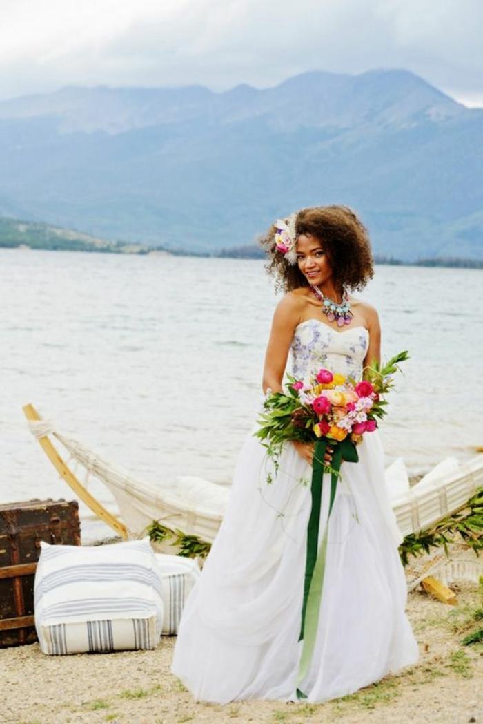 coupe carré sur cheveux afro très épais, coiffure mariage cheveux courts, coiffure mariee, coiffure invité mariage, look féminin