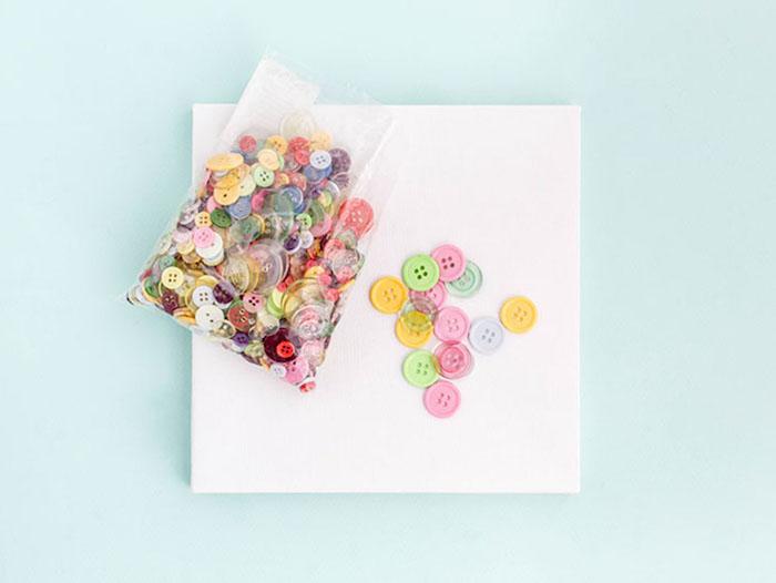 Activité manuelle 4 ans activité manuelle facile et rapide idées diy simples et faciles boutons colorés toile