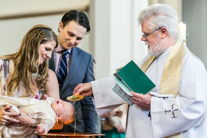 Tenue baptême femme – comment s'habiller pour cette occasion spéciale