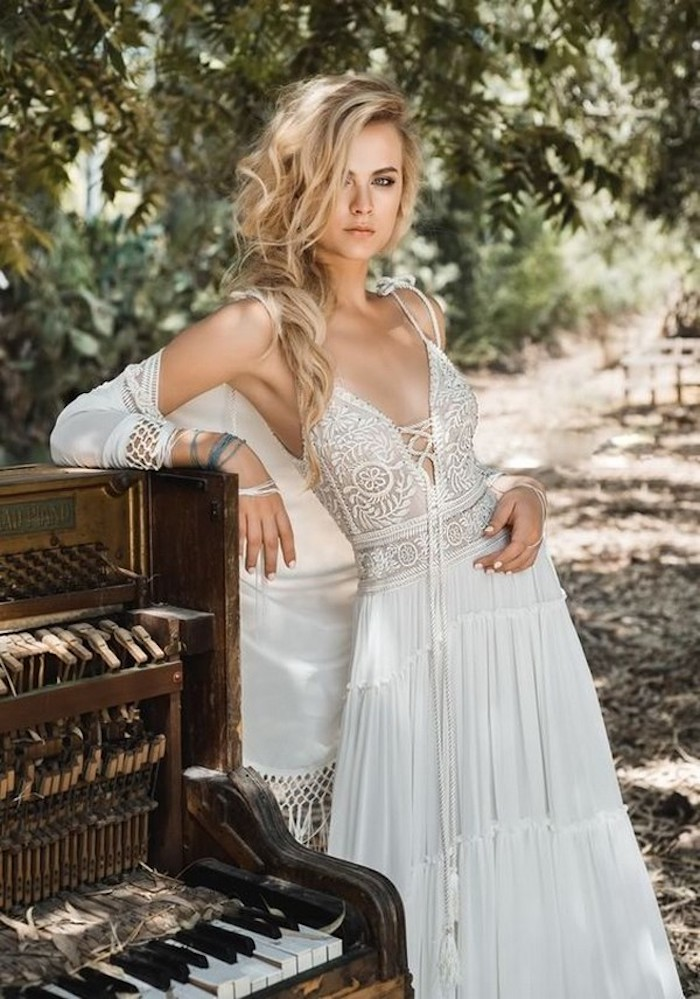 d247069b867 Une tenue hippie chic robe longue hippie chic ou robe courte blanche  moderne style magnifique robe