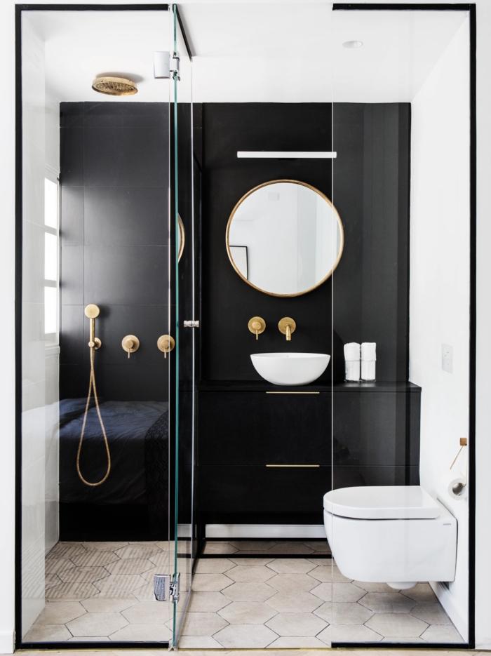 aménager salle de bain avec douche italienne moderne avec porte vitrée et toilette suspendu