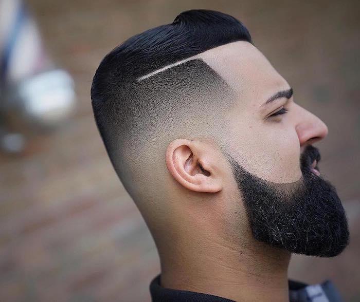 coupe de barbe homme longue avec pattes en dégradé pointe et contours joues arrondis