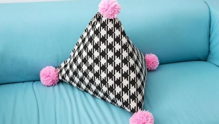 faire des pompons et cr ations mignonnes pour cocooniser. Black Bedroom Furniture Sets. Home Design Ideas