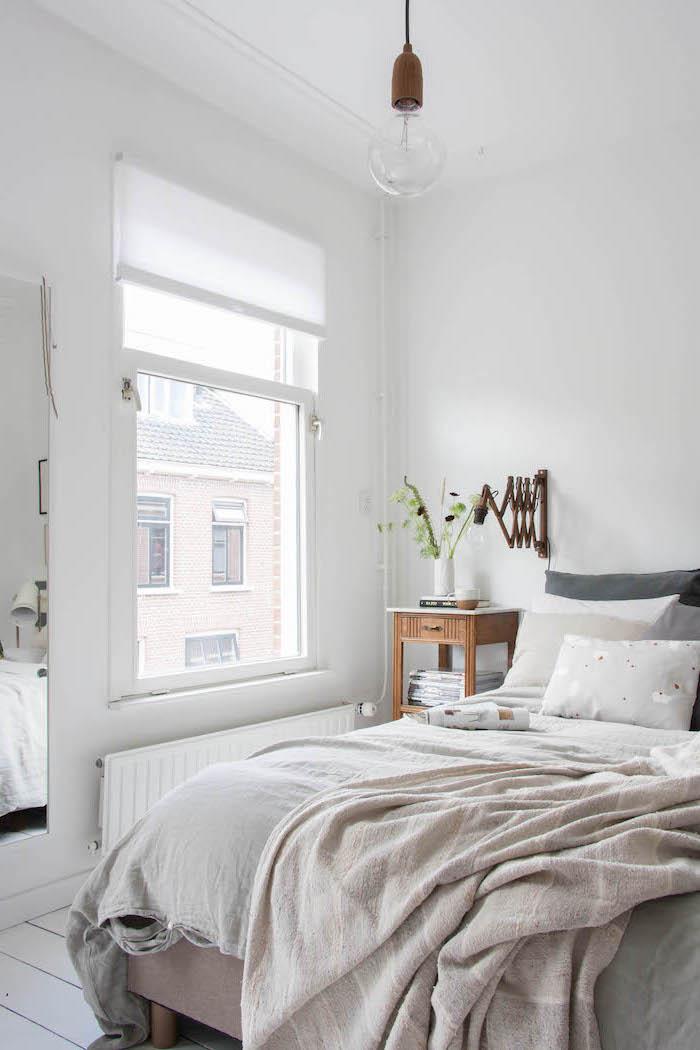 Chambre contemporaine adulte chambre à coucher décoration petite chambre claire choisir le blanc pour une illusion optique
