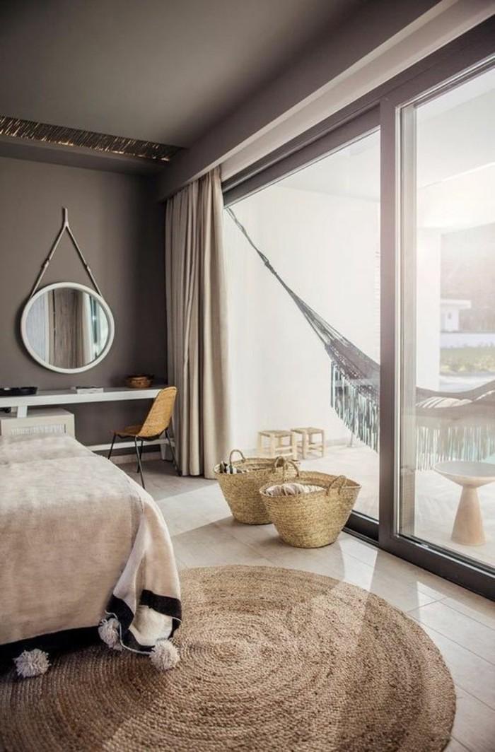 Photo chambre à coucher adulte moderne intérieur design contemporaine hamac sur la terrasse tapis rond cool déco nature inspiration