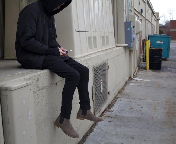 comment porter des bottines chelsea homme marron clair beige gris