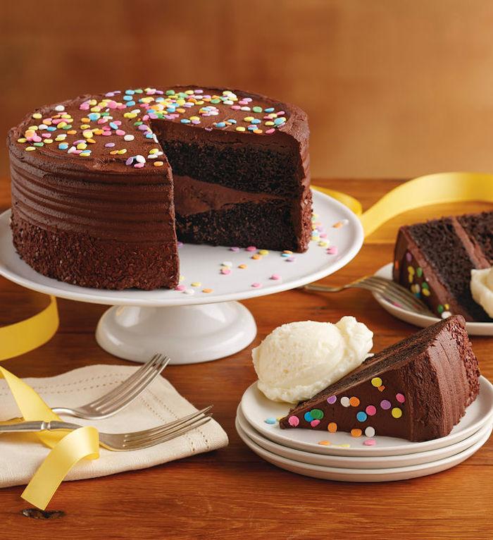 Recette au chocolat gateau chocolat anniversaire décoration gâteau délicieux chocolat et sucre
