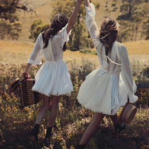 La robe bohème blanche - des astuces pour adopter la tendance top de cette été